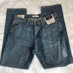 🆕 Abercrombie & Fitch Slim Straight Jeans